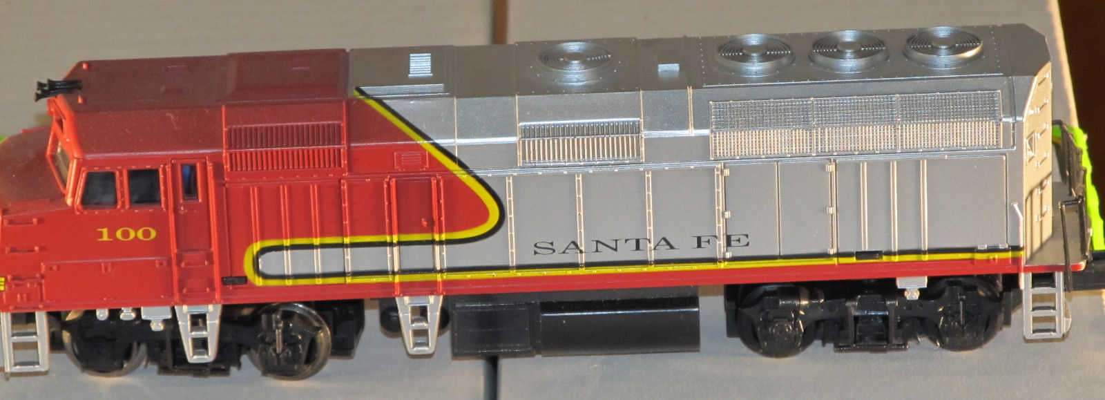 Life Like Ho Scale Santa Fe F40ph Diesel Locomotive Jason S Hobby Depot Trains And Locomotives Model Trains Toy Trains Railroads